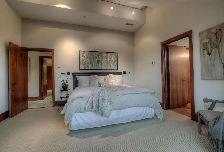 Guest Room Fur